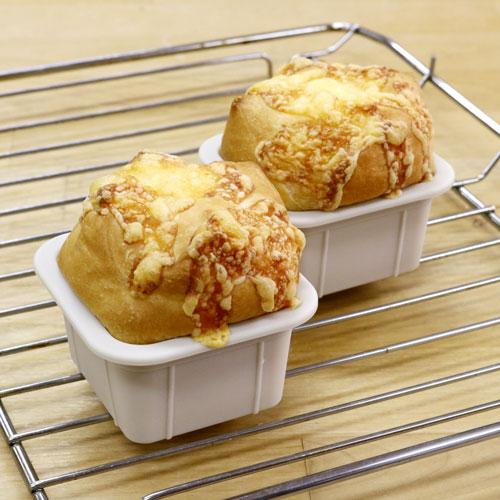 角型チーズパン